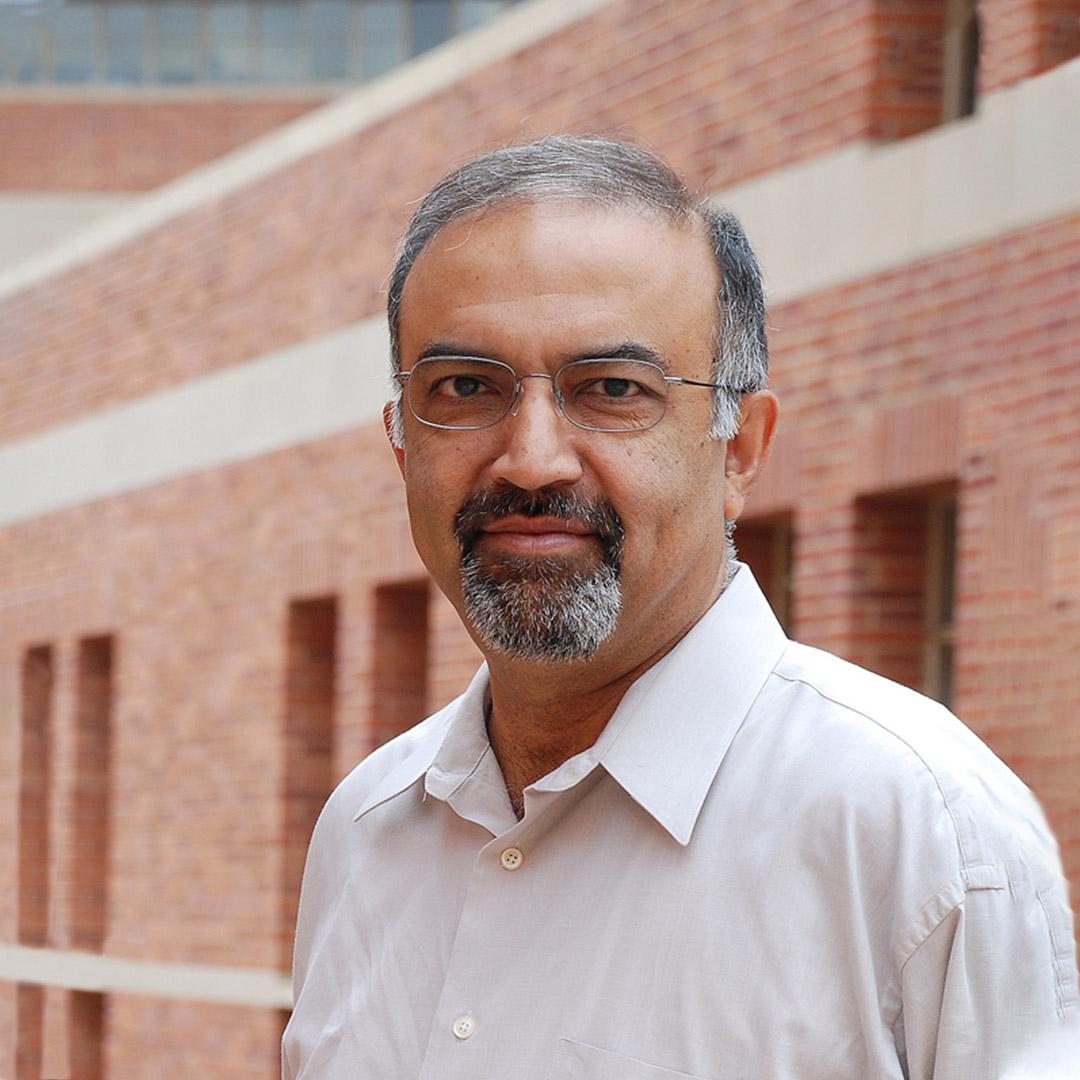 Portrait photo of SushilBikhchandani